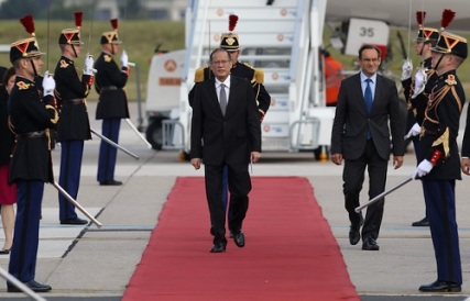 aquino arrives in france inquirer